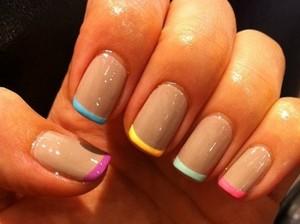 Стильный френч маникюр: 100 фото красивого дизайна ногтей