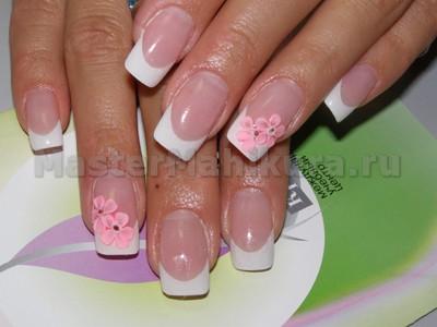 Розовые цветочки на классике