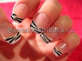Ногти как зебра