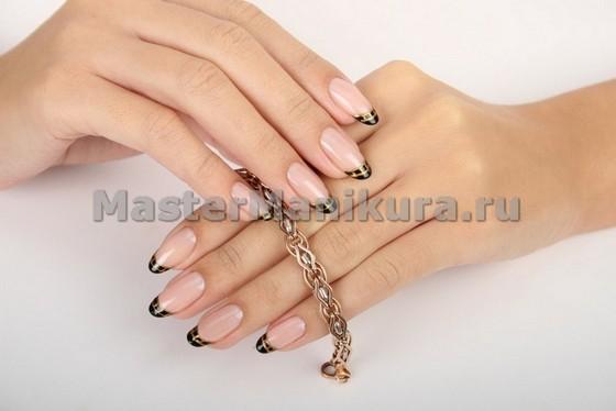 Блестящий дизайн на кончиках пальчиков