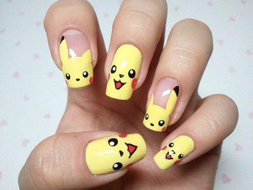 Креативный узор для ногтей в стиле мультика
