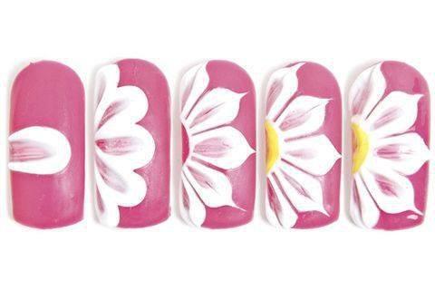 Пошаговый рисунок цветка лаками для новичков