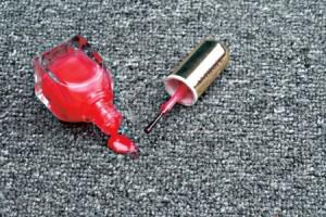Как удалить лак с одежды