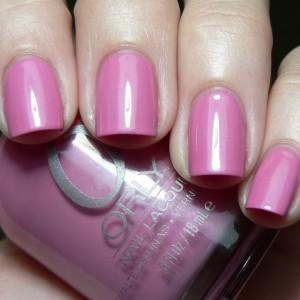 Нежно-розовый лак для ногтей фирсы Орли