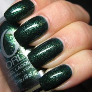 ОРЛИ темно зелёный лак с блетками