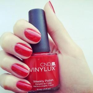 Красный лак Винилюкс