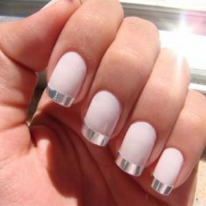 Белый матовый дизайн ногтей