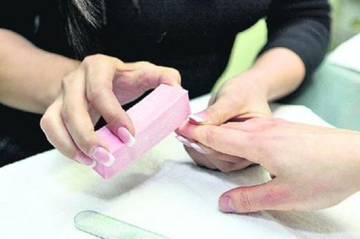 Чистка ногтевой пластины