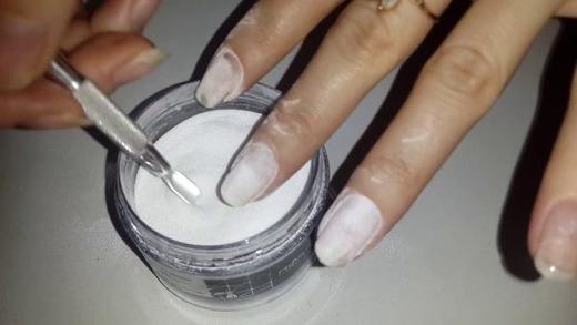 Покрытие ногтей акриловой пудрой