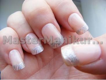 Пластиковые ногти на ногтях