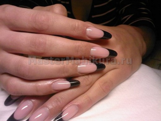 Острые ногти с темным кончиком