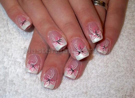 Покрытие ногтей цветами