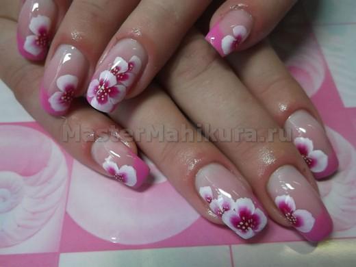 Бело-розовые цветочки