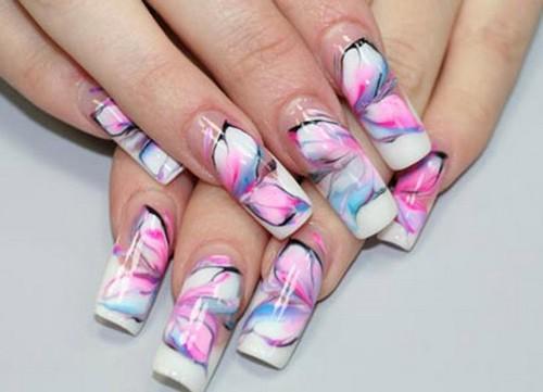 Абстрактный узор для ногтей в виде цветов