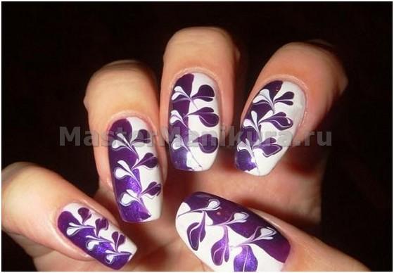 Фиолетово-белый рисунок иглой