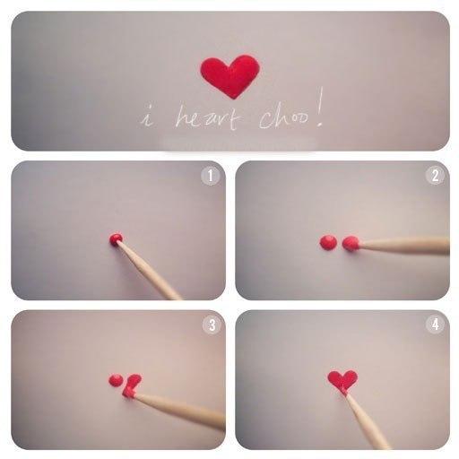 Простой узор сердечка на ногтях