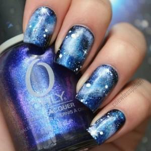 Nail-art голубым лаком с блестками ОРЛИ