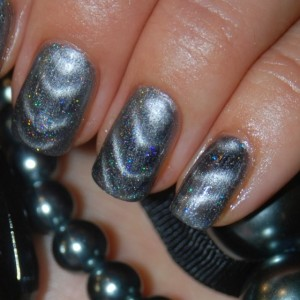 Серый nail-art лак с магнитом