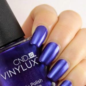 Фиолетовый маникюр с Винилюкс