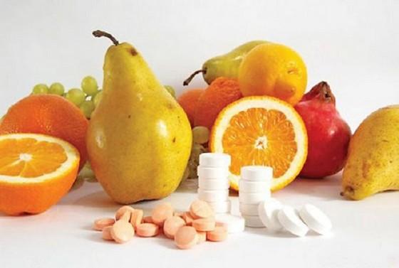 Натуральные и фармацевтические витамины для ногтей