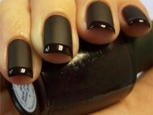 Черный матовый лак для ногтей