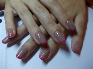 Серый френч с розовым ободком гель-лаком