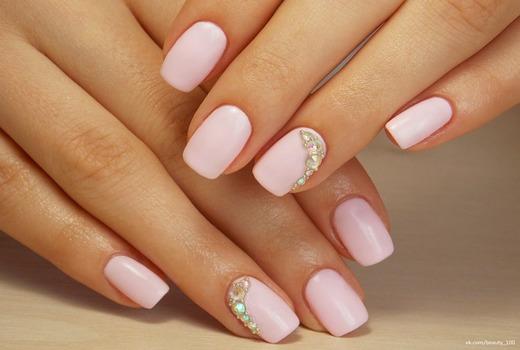 Красивые розовые ноготки