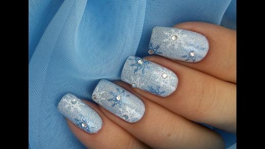 Серебряно-синий новогодний орнамент ноготков