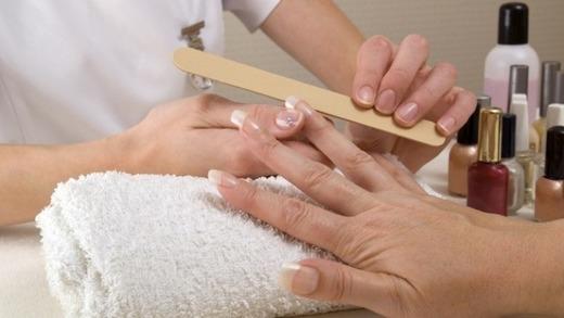 Предание формы ногтям