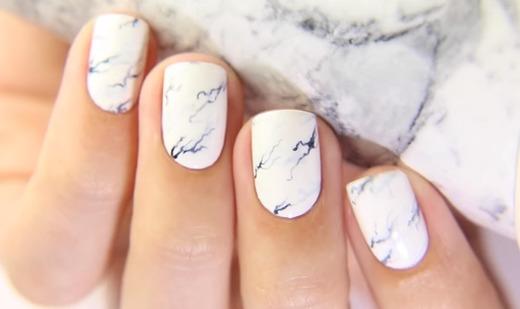 Рисованный белый мрамор